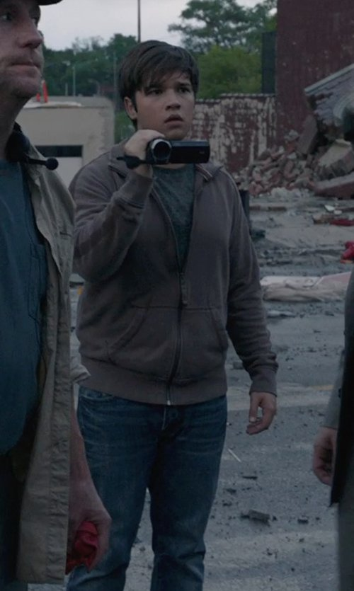 Nathan Kress with Canon VIXIA HF R20 Full HD Camcorder in Into the Storm