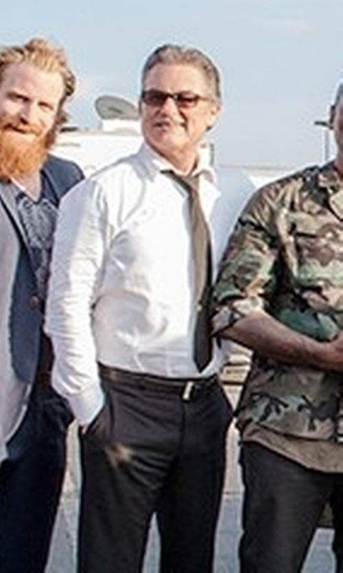 Kurt Russell with Ike Behar Textured Cotton Dress Shirt in The Fate of the Furious