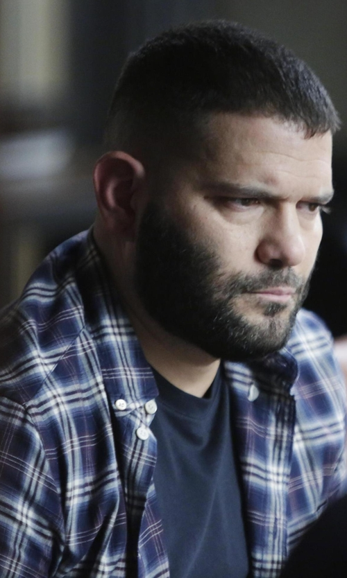 Guillermo Díaz with Paul Smith Jeans Blue Plaid Shirt in Scandal