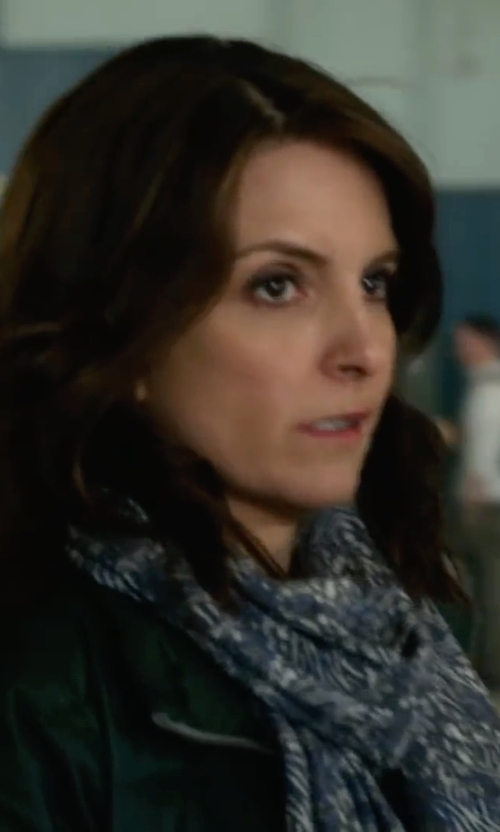 Tina Fey with Whole Sale Sarong Vintage Paisley Bohemian Scarf in Whiskey Tango Foxtrot