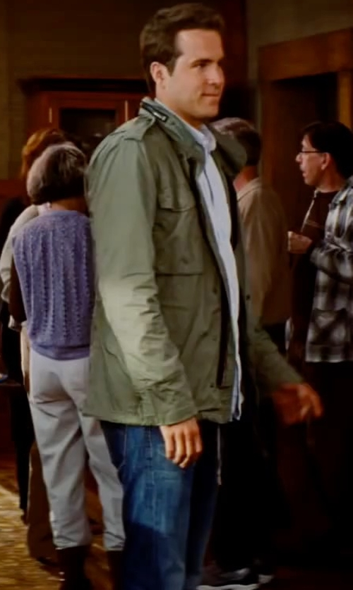 Ryan Reynolds with Urban Ring Denim Pants in The Proposal
