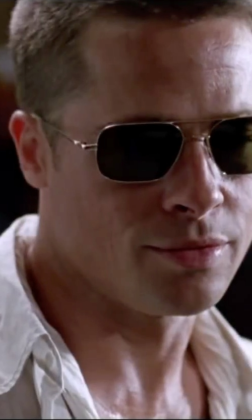 Brad Pitt with Daniel Cremieux Signature Long-Sleeve Solid Linen Sportshirt in Mr. & Mrs. Smith