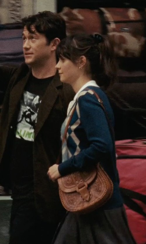Zooey Deschanel with Patricia Nash Barcelona Crossbody Bag in (500) Days of Summer