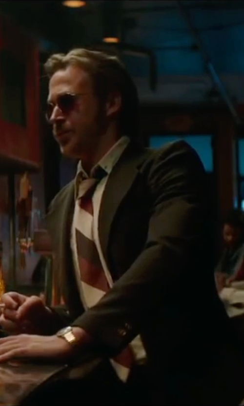 Ryan Gosling with Brooks Brothers Sidewheeler Music Stripe Tie in The Nice Guys