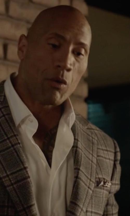Dwayne Johnson with Drake's Polka-Dot Silk Pocket Square in Ballers