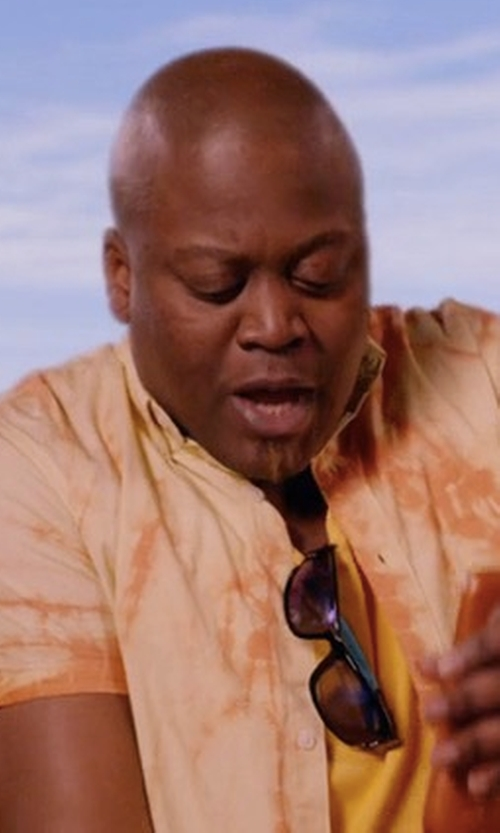 Tituss Burgess with Oakley Two-Face Sunglasses in Unbreakable Kimmy Schmidt