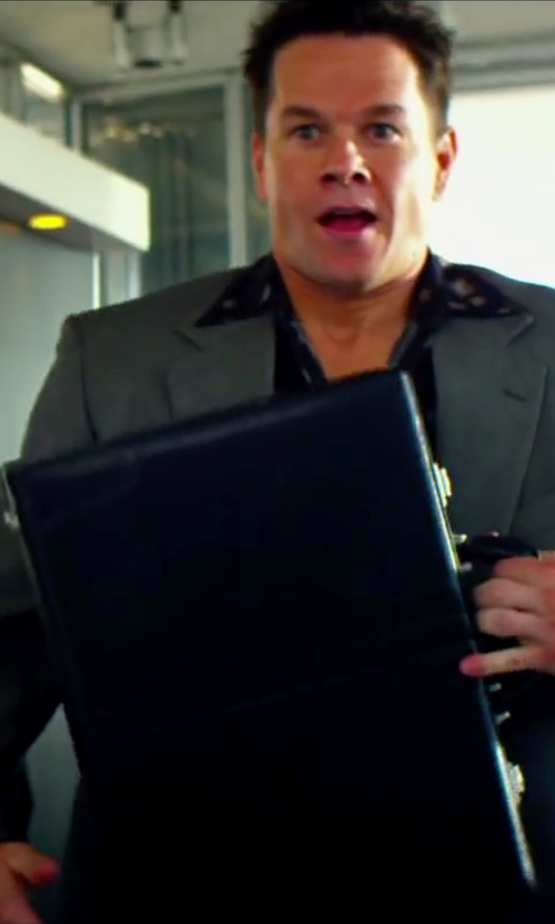 Mark Wahlberg with Samsonite Bonded Leather Attache Case in Pain & Gain