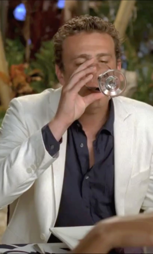 Jason Segel with Bar III White Slim-Fit Jacket in Forgetting Sarah Marshall
