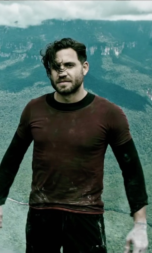 Édgar Ramírez with Merz B. Schwanen Dark Red T-Shirt in Point Break