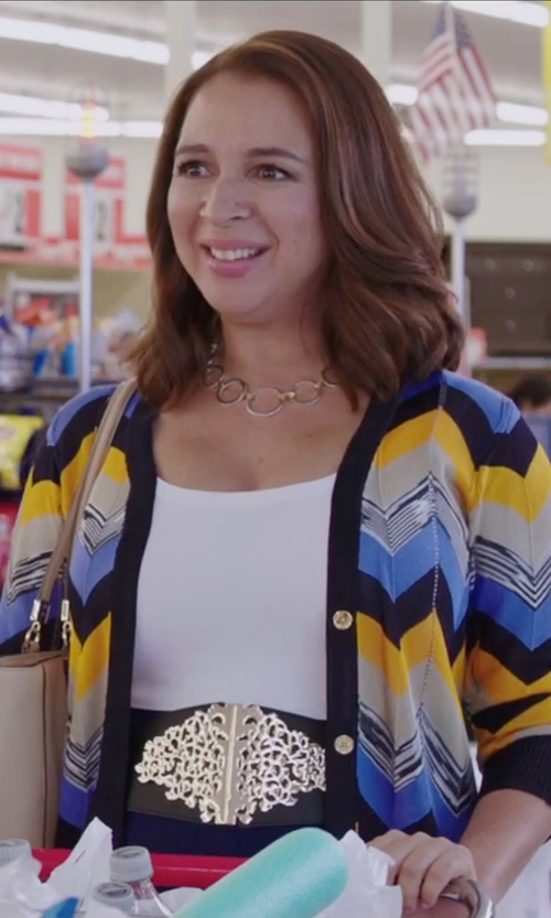 Maya Rudolph with Nykkola Hoop Circle Collar Necklace in Sisters