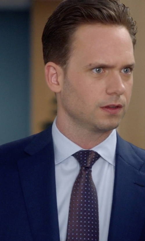 Patrick J. Adams with Charvet	 Medallion-Print Silk Tie in Suits