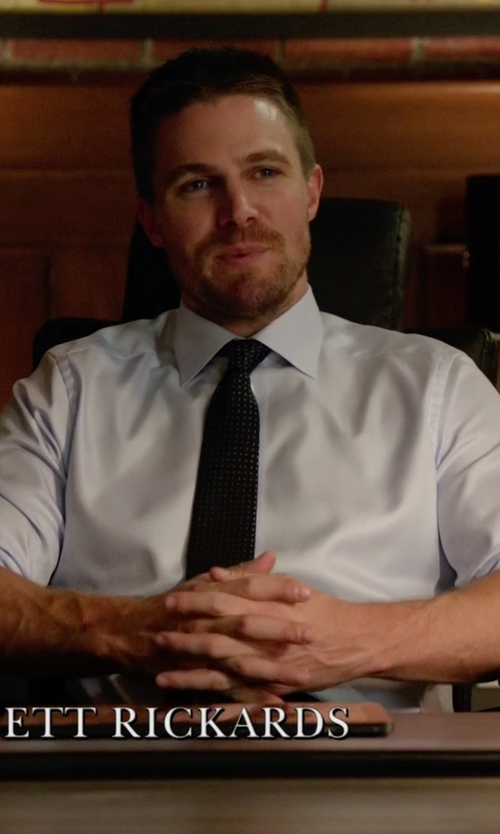 Stephen Amell with Cremieux Spread-Collar Dress Shirt in Arrow