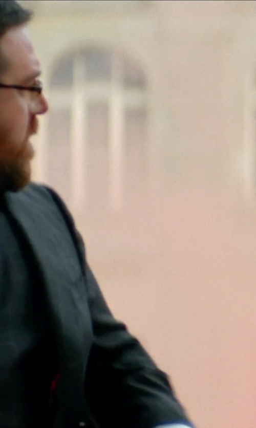 Nick Frost  with Ermenegildo Zegna Medallion Neck Tie in Unfinished Business