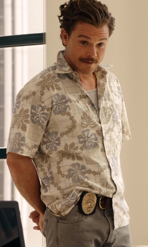 Clayne Crawford with Billy Reid  Tuscumbia Aquatic Print Sportshirt in Lethal Weapon