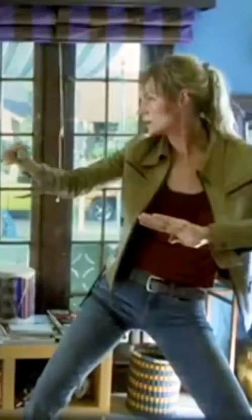 Uma Thurman with Frame Denim Le High Flare High-Rise Jeans in Kill Bill: Vol. 1