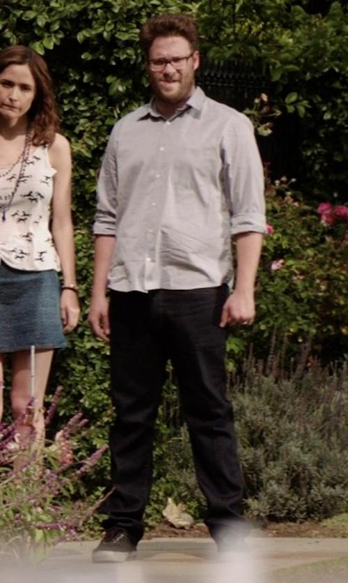 Seth Rogen with Métrico Denim Pants in Neighbors