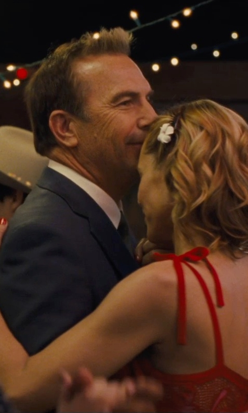 Kevin Costner with Bar III Solid Dress Shirt in McFarland, USA