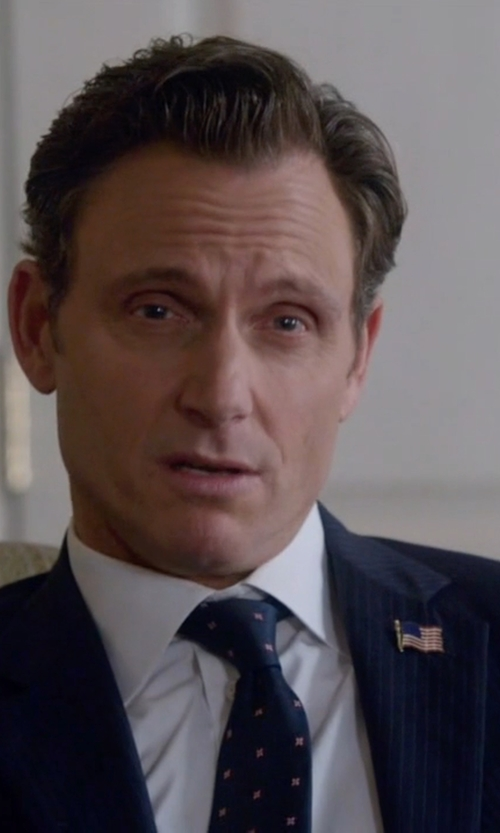 Tony Goldwyn with Thomas Pink Birchill Spot Woven Classic Tie in Scandal