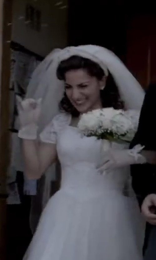 Renée Marino with ZaZa Bridal Flower Pattern Women's Lace Gloves with Ruffle Wrist Length in Jersey Boys
