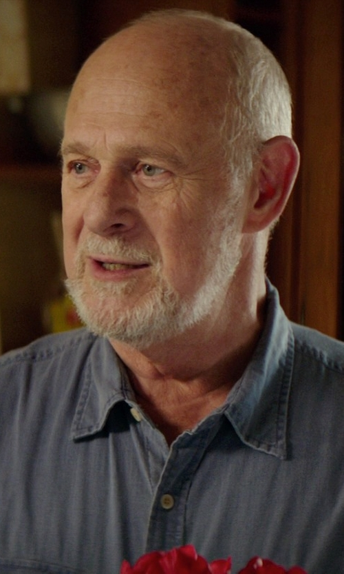 Gerald McRaney with St. John's Bay Short-Sleeve Crosshatch Woven Shirt in The Best of Me