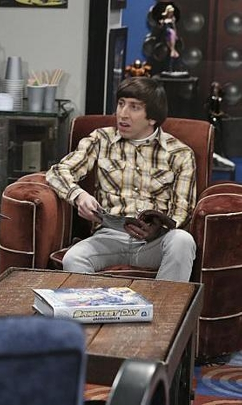 Simon Helberg with Urban Outfitters Stapleford Kettle Plaid Flannel Button-Down Shirt in The Big Bang Theory