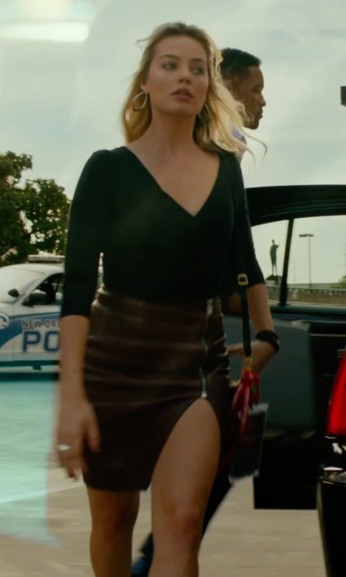 Margot Robbie with Vince Lamb Leather Pencil Skirt in Focus