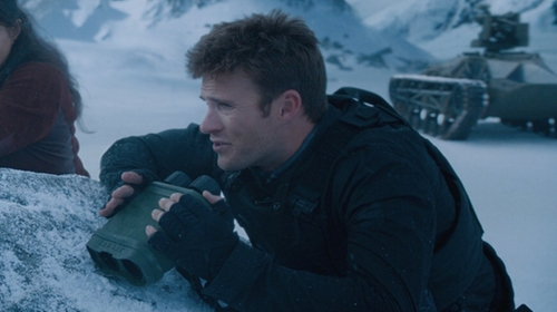 Scott Eastwood with Reebow Tactical Combat Gloves in The Fate of the Furious