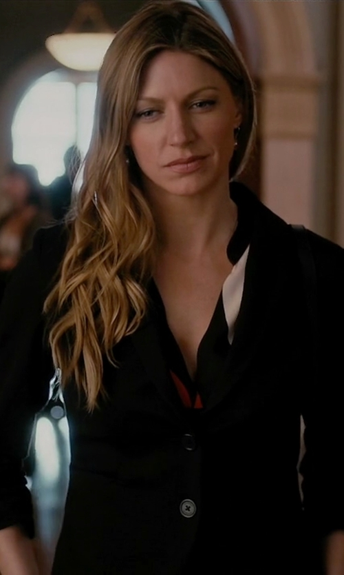 Jes Macallan with Blue Les Copains  Single Breasted Blazer in Mistresses