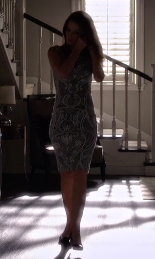 Laura Leighton with SJP by Sarah Jessica Parker Fawn Patent Point-Toe Pumps in Pretty Little Liars