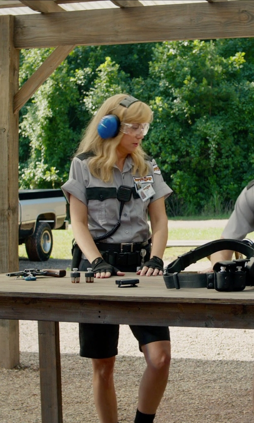Kristen Wiig with 5.11 Tactical Leather Casual Belt in Masterminds
