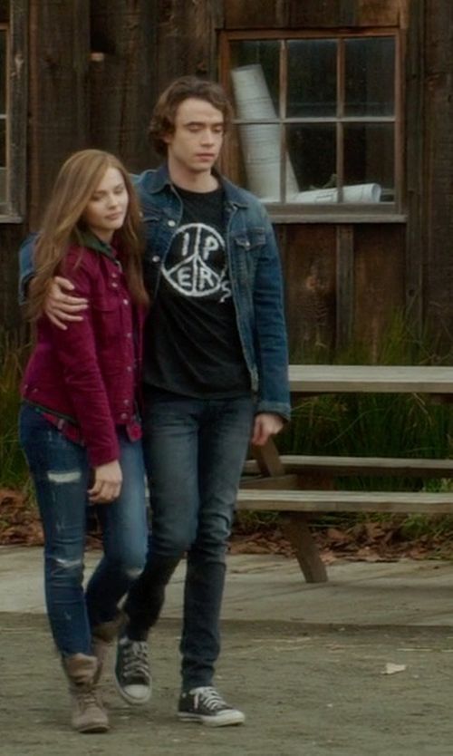 Jamie Blackley with 7 For All Mankind Luxe Performance Paxtyn Jeans in If I Stay