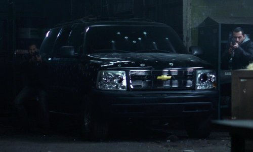 Unknown Actor with Chevrolet Suburban in Ride Along