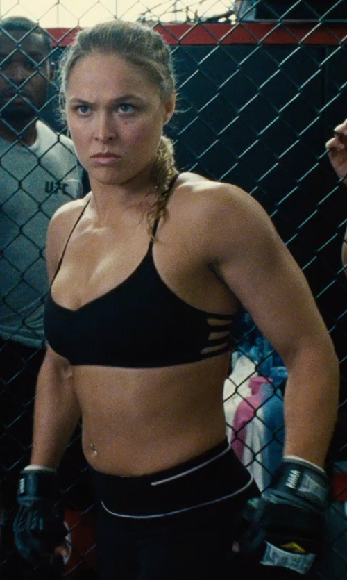 Ronda Rousey with Nike Pro Elevate Training Gloves in Entourage