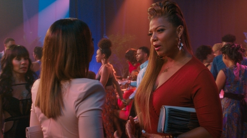 Queen Latifah with French Connection Yvette Metal Rope Clutch Bag in Girls Trip