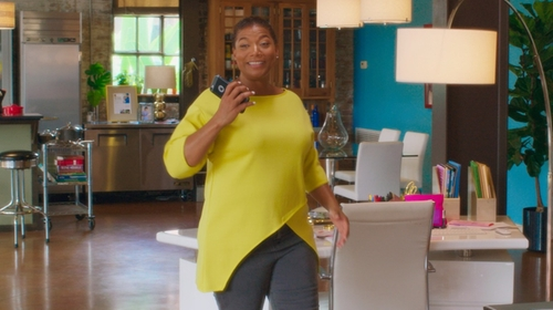 Queen Latifah with St. John Collection Milano Knit High/Low Tunic in Girls Trip