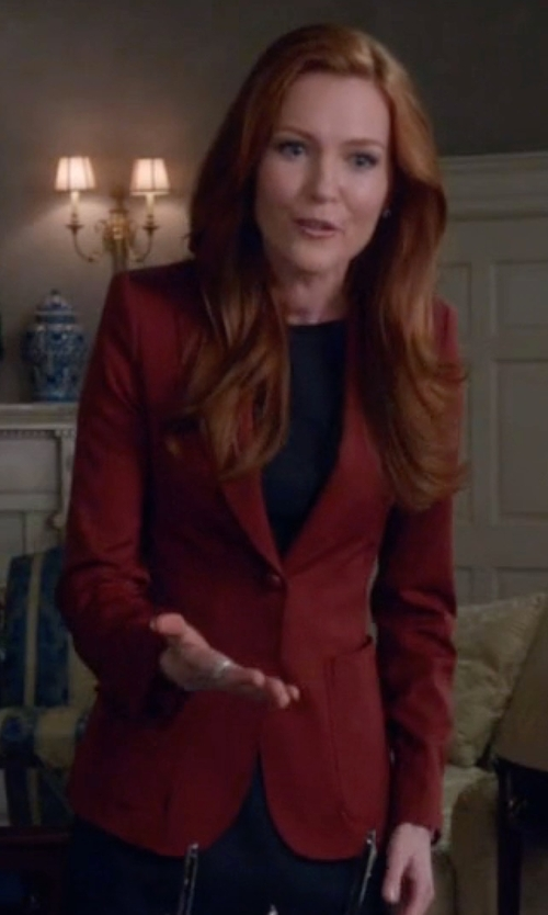 Darby Stanchfield with Tagliatore   Slim Fit Blazer in Scandal