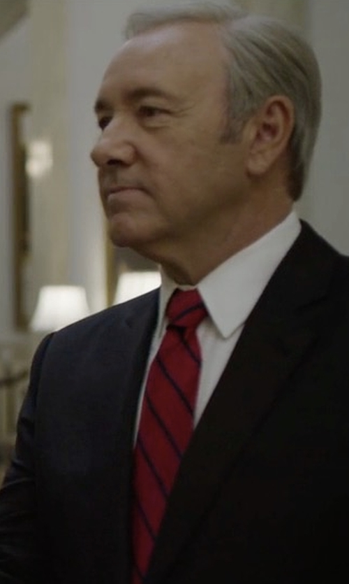 Kevin Spacey with Kiton Framed Stripe Silk Tie in House of Cards