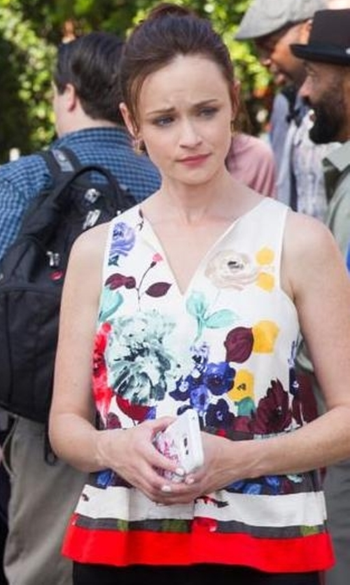 Alexis Bledel with Anthropologie Elsie Tank Top in Gilmore Girls: A Year in the Life