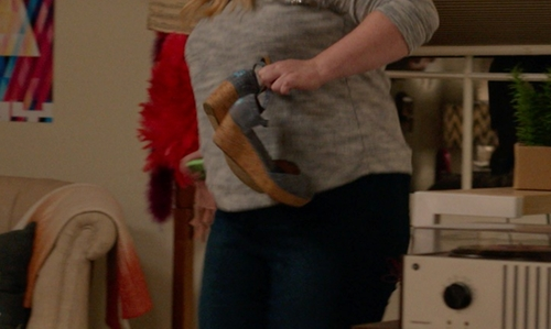 Rebel Wilson with Toms Platform Chambray Wedges in Pitch Perfect 2
