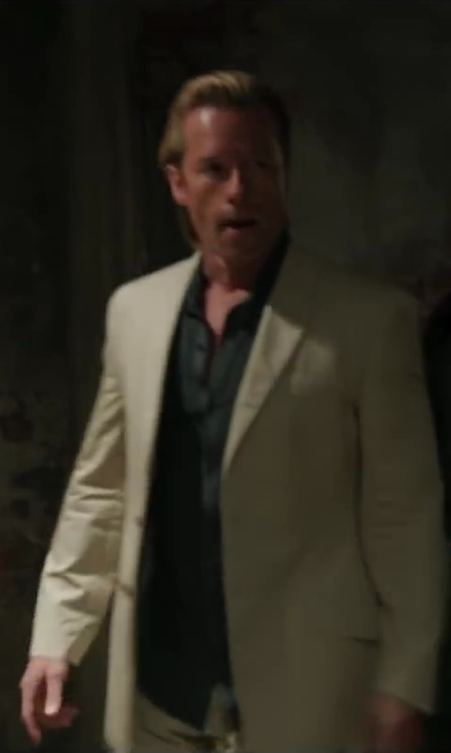 Guy Pearce with MAISON MARTIN MARGIELA blazer jacket in Iron Man 3