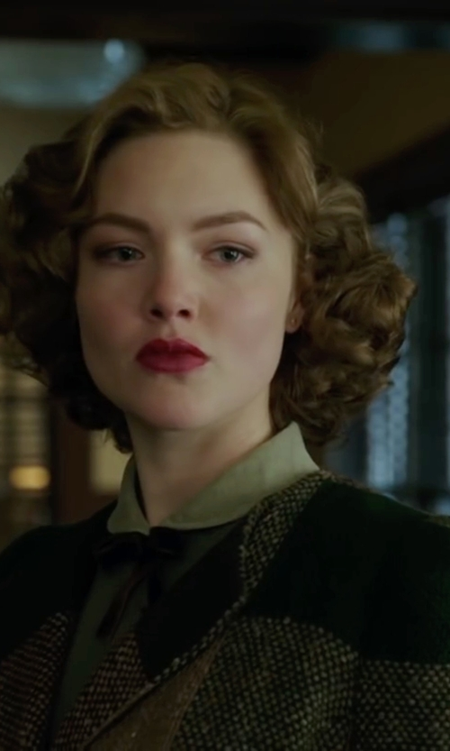 Holliday Grainger with Sportmax Platani coat in The Finest Hours