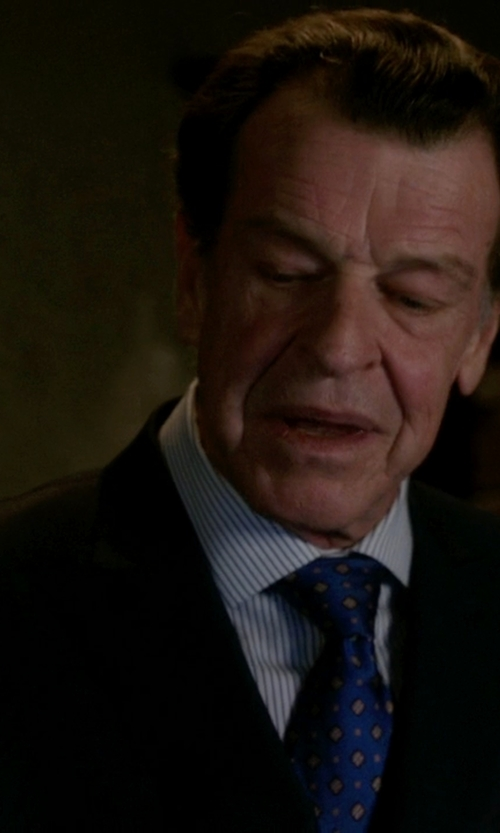 John Noble with Vince Camuto Notch Lapel Suit in Elementary