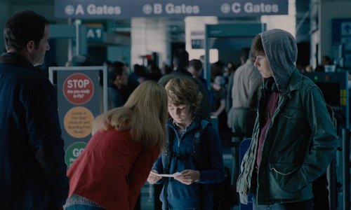 Judy Greer with Louis Armstrong International Airport New Orleans, Louisiana in Jurassic World