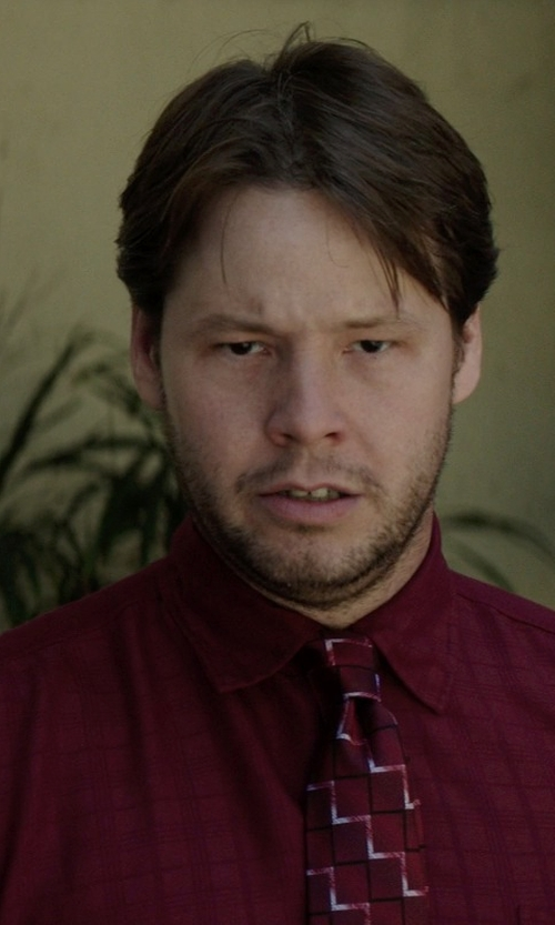 Ike Barinholtz with Van Heusen Wrinkle-Free Short Sleeve Dress Shirt in Neighbors