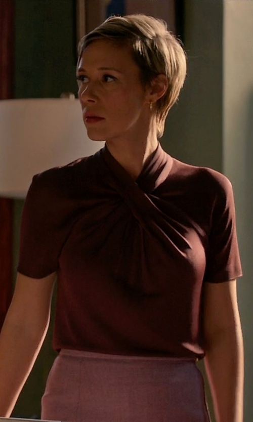 Liza Weil with Milk Nursingwear Knot Front Top in How To Get Away With Murder