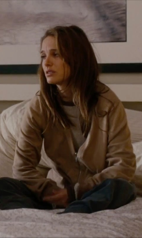 Natalie Portman with Polo Ralph Lauren Waffle-Knit Cashmere Sweater in No Strings Attached