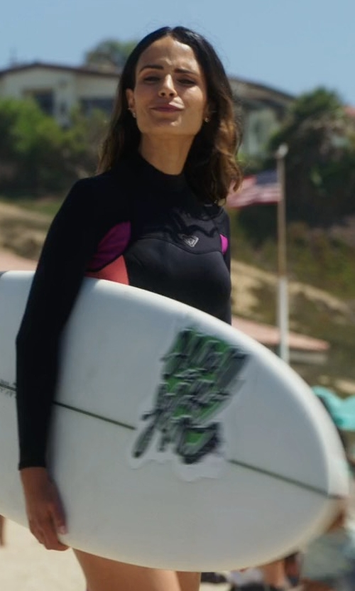 Jordana Brewster with BIC Sport Dura-Tec Surfboard in Lethal Weapon