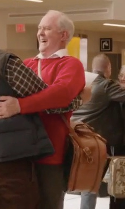 John Lithgow with Fossil Defender Leather Duffel Bag in Daddy's Home 2