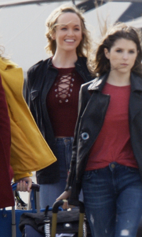 Kelley Jakle with William Rast Sculpted High-Rise Jeans in Pitch Perfect 3