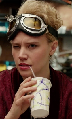 Kate McKinnon with Hamist RAF Aviator Pilot Goggles  in Ghostbusters (2016)
